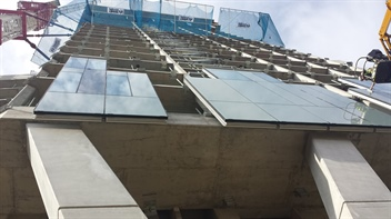 Cladding installation commences on the Novotel, Canary Wharf