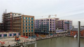 Great Eastern Quays tops out